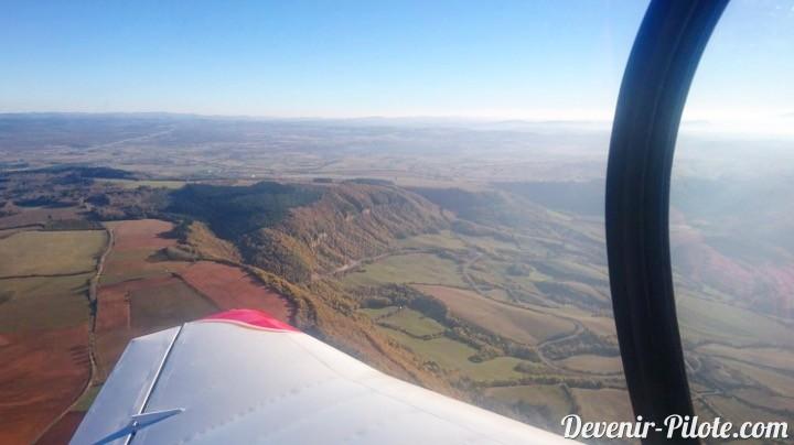Tour de piste vent traversié millau-larzac (LFCM) en avion DR400