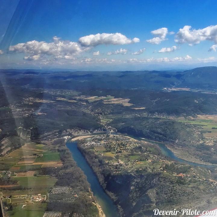 Gorge de l'Ardèche en direction de LFHO (Aubenas)