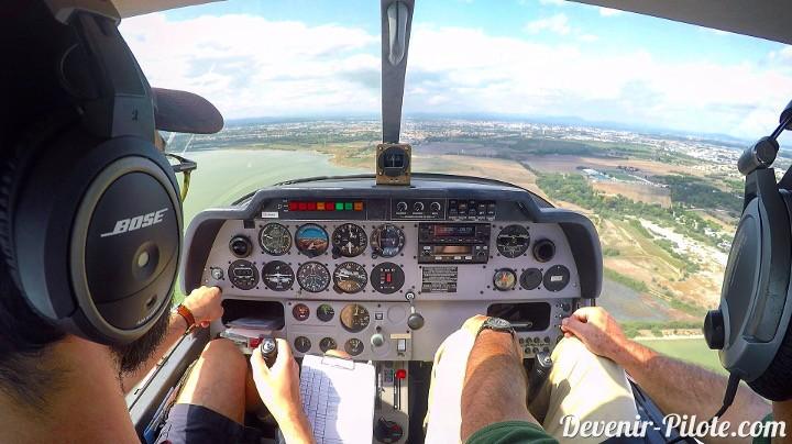 Vent arrière main droite piste 12 droite à Montpellier (LFMT) à 500 pieds