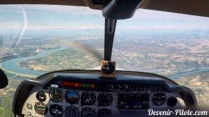 Navigation aérienne VFR depuis Montpellier (LFMT) vers Avignon (LFMV) pendant la formation PPL