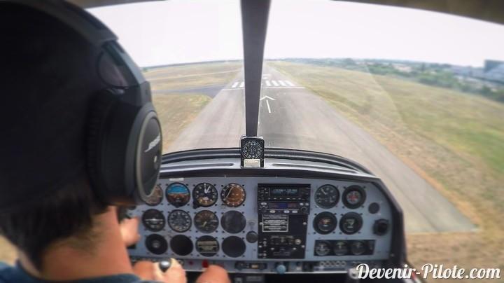 Volo Solo à LFMT - atterrissage piste 12 droite