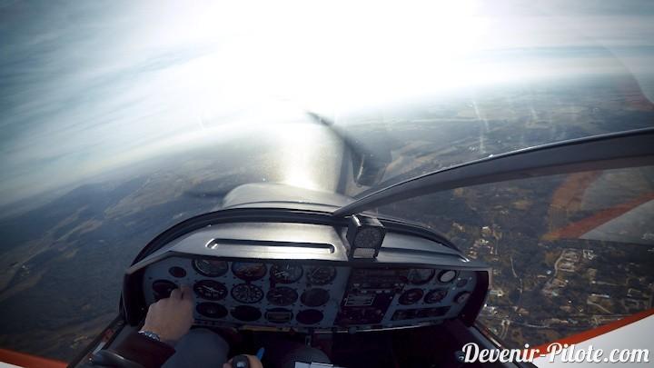 vol solo visibilité soleil avion DR400