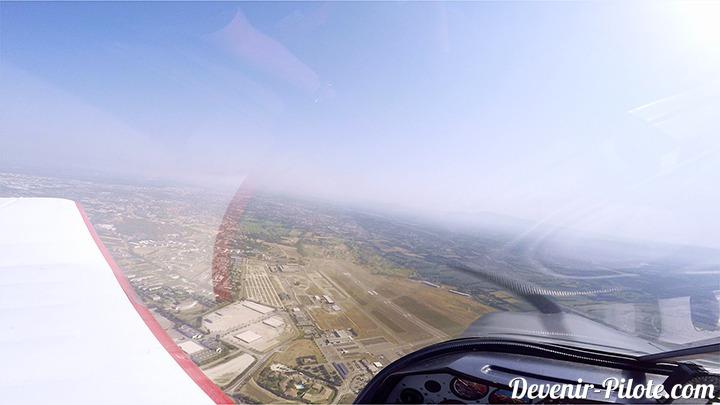 Vertical de l'Aéroport d'Avignon (LFMV)